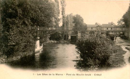 moulin brulé